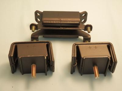nengun-0254-03-nismo-engine_mounts.jpg